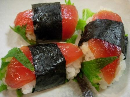 マグロとアボカドのお寿司